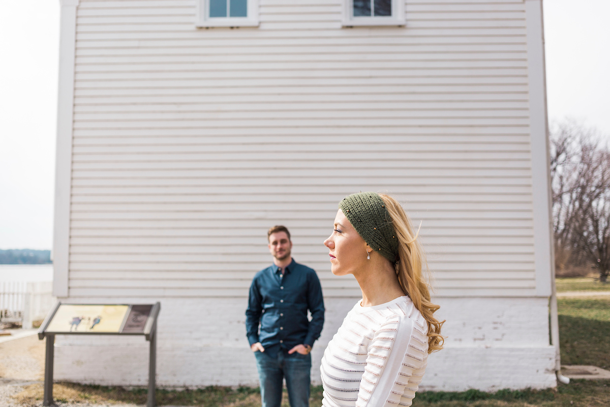 lighthouse cozy engagement photos