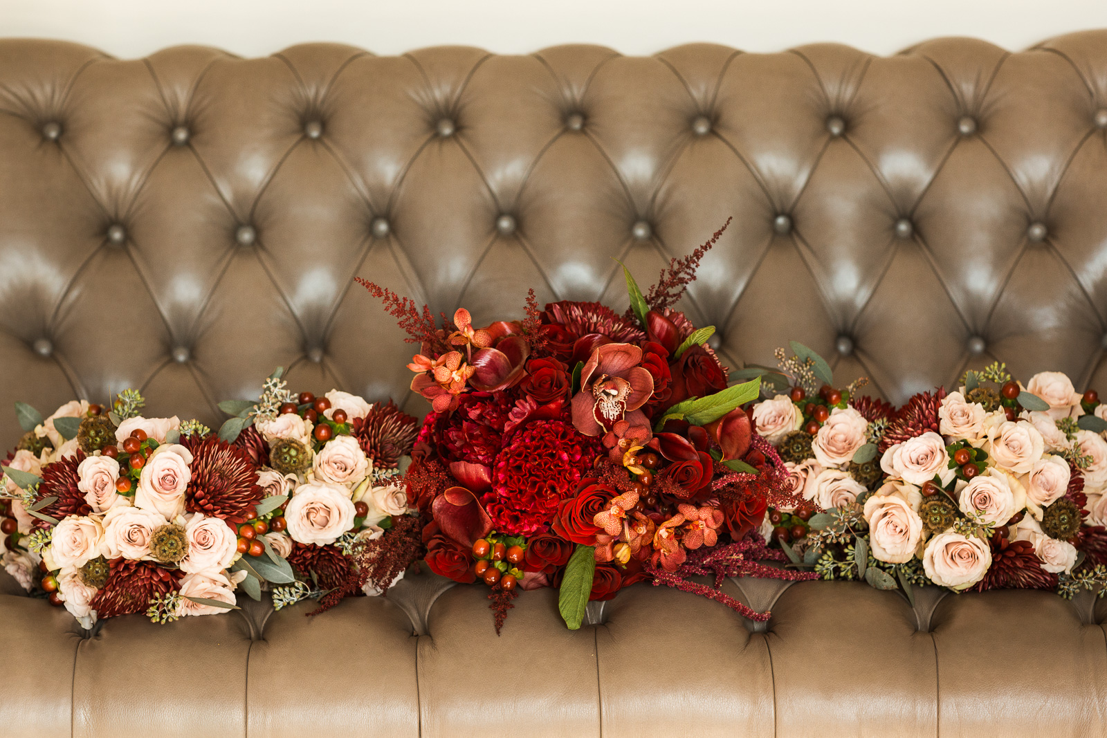 stunning red bridal bouquets